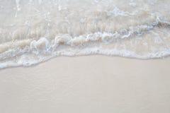 波浪的运动在沙子的为ba是光滑和美好的 库存图片