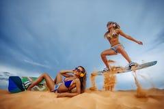 波浪的风筝Boarding.Kite冲浪者 免版税图库摄影