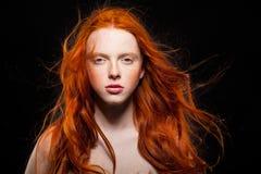 波浪红色头发 图库摄影