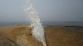 波浪飞溅 库存照片