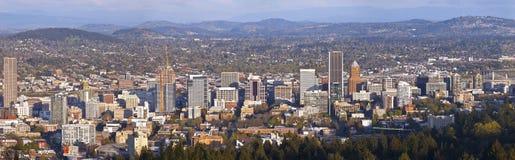 波特兰俄勒冈日落的市全景 免版税库存图片