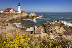 波特兰在一个晴天朝向灯塔,缅因,美国 免版税库存图片