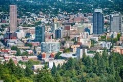 波特兰,俄勒冈- 2017年8月:波特兰地平线鸟瞰图  的treadled 免版税库存图片