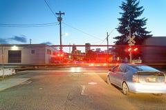 波特兰,俄勒冈- 2017年8月21日:与快速的movin的城市交通 免版税库存图片