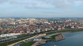 波瓦-迪瓦尔津,从上流的葡萄牙空中都市风景  股票视频