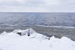 波罗的海天际的线在冬天 免版税库存图片