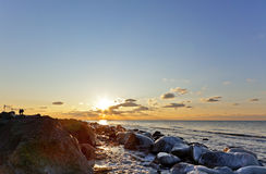 波罗的海日落冬天 免版税库存照片