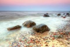 波罗的海风景在日落的格丁尼亚Orlowo 库存照片