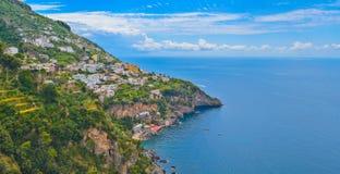波西塔诺市,阿马飞海岸,意大利 免版税库存图片