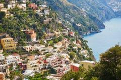 波西塔诺,阿马尔菲海岸的,意大利美丽的地中海村庄风景看法  库存照片