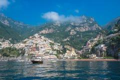 波西塔诺,阿马尔菲海岸,褶皱藻属,意大利小镇  库存照片