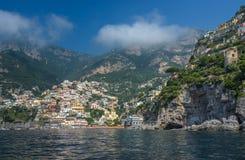 波西塔诺,阿马尔菲海岸,褶皱藻属,意大利小镇  图库摄影