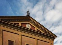 波隆纳时钟大厦 库存图片