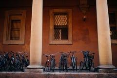 波隆纳,意大利- 2017年10月:伊米莉亚罗马甘地区波隆纳,资本和大城市街道在北意大利 图库摄影