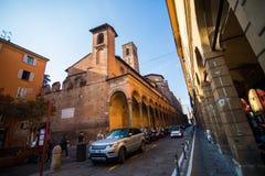 波隆纳,意大利- 2017年10月:伊米莉亚罗马甘地区波隆纳,资本和大城市街道在北意大利 库存图片