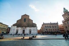 波隆纳,意大利- 2017年10月:全视图城市街道和波隆纳的中世纪中心 库存照片