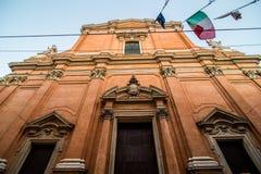 波隆纳,意大利- 2017年10月:街道的看法在老城波隆纳,伊米莉亚罗马甘地区,意大利 免版税库存图片