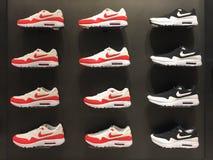 波隆纳,意大利- 2014年2月16日:耐克体育鞋子的博览会 库存图片