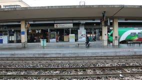 波隆纳- 2015年1月离开地方火车从驻地在波隆纳,意大利 股票视频