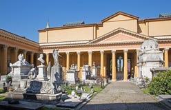 波隆纳-由圣Girolamo教会的公墓。 库存图片