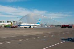 波音737-8南部最大的中国,遇见飞机模型的一个新型,水曲拱 机场普尔科沃,俄罗斯圣彼德堡 02 库存照片
