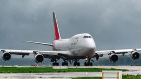 波音747货轮Asiana货物 图库摄影