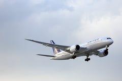 波音787 Dreamliner -联航 免版税图库摄影