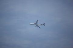 波音777-300 HS-TKW TG103 免版税库存照片
