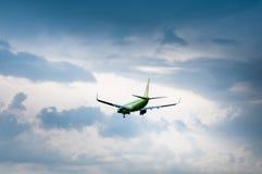 波音737-8Q8 S7 -西伯利亚航空公司VP-BDH  免版税库存照片