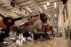 波音B-17飞行堡垒飞机告诉了挑剔者 图库摄影