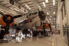 波音B-17飞行堡垒飞机告诉了挑剔者 免版税库存图片