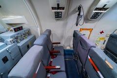 波音E-3A哨兵AWACS无线电情报的操作员的地点  免版税库存图片