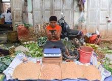 泥河,缅甸, 2016年9月12日:地方市场在泥河,掸邦,缅甸 库存图片