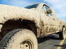 泥泞的卡车 库存照片