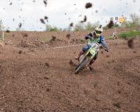 泥泞的摩托车越野赛种族 库存图片