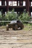 泥泞的4x4车 免版税库存图片