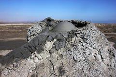 泥火山的爆发 免版税库存照片