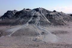 泥火山的爆发 库存照片