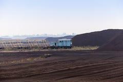 泥煤的提取 库存图片