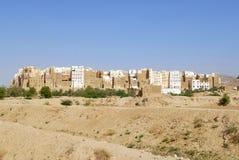 泥砖塔安置希巴姆镇, Hadramaut谷,也门 库存照片