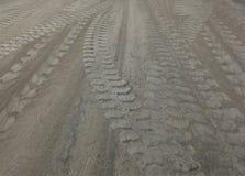 水泥粉末和轮子轨道 库存照片
