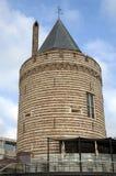 注满以古城门的城市视图 免版税图库摄影