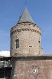 注满以古城门的城市视图 库存图片
