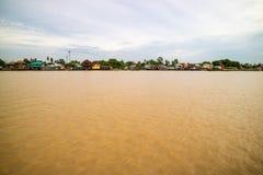 泰国传统河沿村庄 图库摄影