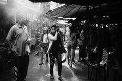 泰国传统市场Prachuapkhirikhan省的,泰国未认出的人 图库摄影