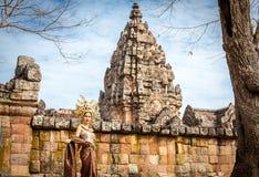 泰国传统衣服立场的妇女在Prasat Hin Phanom阶 库存图片