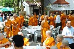 泰国佛教仪式的整理 免版税图库摄影