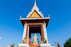 泰国佛教寺庙背面图在Trat,泰国 免版税库存图片