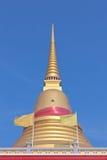 泰国佛教金黄塔 库存图片