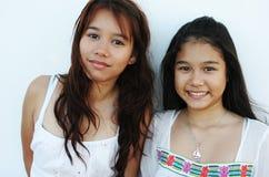 泰国俏丽的姐妹 免版税库存照片